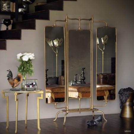 Tri-panel mirror on base