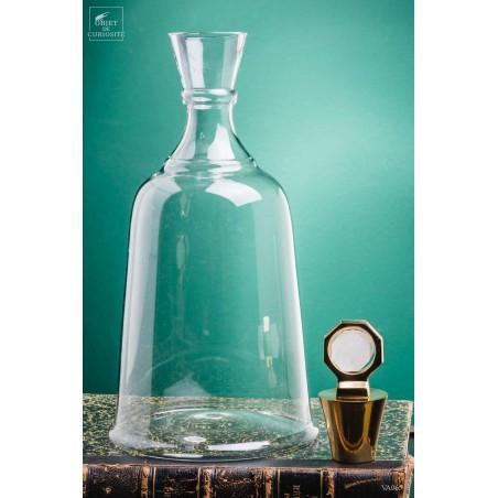 High glass decanter, bi-terminated crystal lid