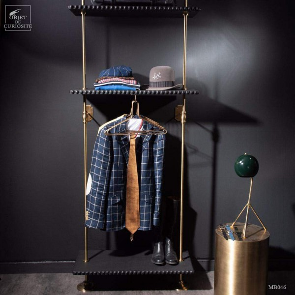 Dressing - 3 shelves and brass hangers