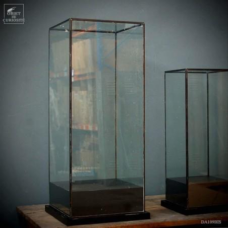 Square glass box 32x32x75cm