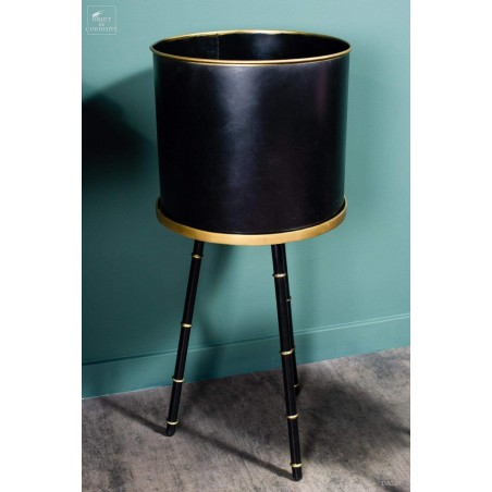 Planter on stand (Large)