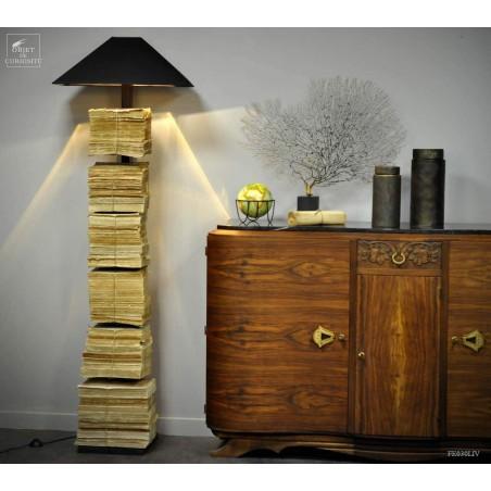 Vertical iron book shelf + ligh + books