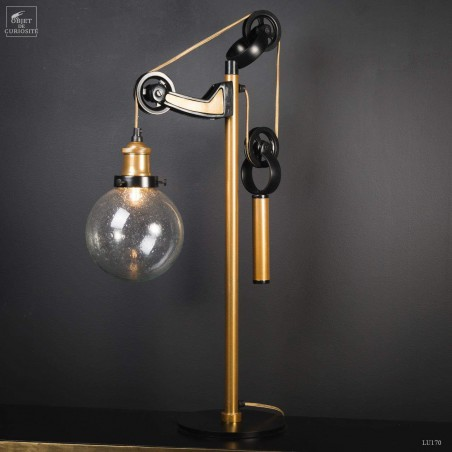 Desk lamp with counterweight, brass and black