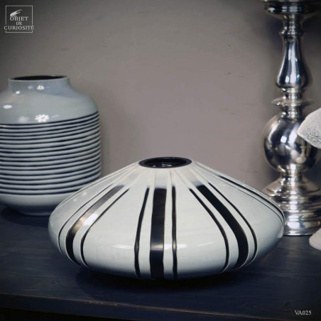 Smoke / translucent grey vase